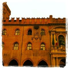 Palazzo d'Accursio - Instagram by @gabrielepinese