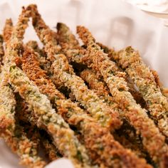 Parmesan Asparagus Fries - Healthy Eating Tips Asparagus Fries, Grilled Asparagus Recipes, Parmesan Recipes, Zucchini Fries, Baked Parmesan Asparagus, Asparagus Meals, Freezing Asparagus, Zucchini Parmesan Crisps, Bacon Wrapped Asparagus