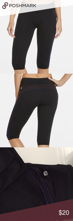 NWOT Fabletics Solar Crop NWOT I bought these and found out they were just a bit too short for what I needed them for. Hit right below the knee just like on the model, so they are great for summer. Black with navy piping. ABOUT THIS ITEM: Keep your slim figure by slipping into a crop legging with a flattering piping design. Built for performance and designed to keep your booty looking good, nobody will know about those midnight snacks you've been sneaking! Fabletics Pants Leggings