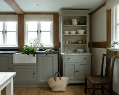 Country kitchen... lovely green-grey shaker units