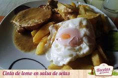 Cinta de lomo en salsa de setas -  El plato de hoy, cinta de lomo en salsa de setas, es buenísimo para toda la familia. La cinta de lomo es una carne muy rica, tierna y jugosa si se cocina bien, y acompañada de la salsa de setas la hace muy exquisita e ideal para comerla en cualquier comida del día (a mediodía para almorzar o com... - http://www.lasrecetascocina.com/cinta-lomo-salsa-setas/