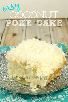 This Coconut Poke Cake is one of my favorite easy dessert recipes. I have a love affair with coconut. desserts coconut Easy Dessert Recipes: Coconut Poke Cake - It's a Keeper Carrot Poke Cakes, Coconut Poke Cakes, Köstliche Desserts, Delicious Desserts, Dessert Recipes, Potluck Recipes, Homemade Desserts, Homemade Breads, Health Desserts