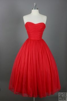 17. #Bright Red - 34 Stunning #Vintage Dresses You Are #Going to Want in… #Halter
