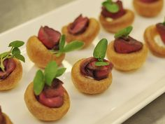 Mini Yorkshire Puddings with Roast Beef & Horseradish Cream - Buckingham Palace Head Chef