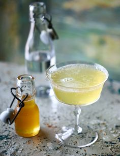 Lemon syrup recipe - brighten up your May drinks recipes with this delicious lemon syrup. It's delicious drizzled over fruit for pudding, too. Gin Recipes, Gin Cocktail Recipes, Cocktail Drinks, Cocktails, Cocktail Trolley, Party Drinks, Recipies, Prosecco Sparkling Wine, Lemon Syrup