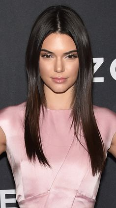 You might hate Kendall Jenner a little bit for what she's just said. Kendall And Kylie Jenner, Kendall Jenner Outfits, Beautiful Female Celebrities, Jenner Sisters, Kardashian Jenner, Remy Human Hair, Mannequins, Hair Looks, Lace Wigs
