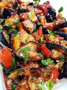 סלט חצילים במרינדה משגעת😍 | אמהות מבשלות ביחד Vegetable Side Dishes, Vegetable Recipes, Vegetarian Recipes, Cooking Recipes, Healthy Recipes, Easy Cooking, Eggplant Dishes, Eggplant Recipes, Special Salad Recipe