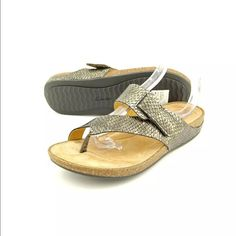 Clarks Perri coast Sandals Summer perfect and Super comfy but very stylish; they are marked 8 but runs more like a 7.5 Clarks Shoes Sandals