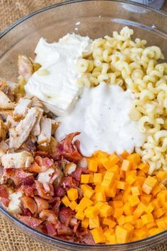 We love this Chicken Bacon Ranch Pasta Salad so much we've made it twice this week! salad recipes Chicken Bacon Ranch Pasta Salad - Dinner, then Dessert Bacon Ranch Pasta Salad, Chicken Bacon Ranch Pasta, Chicken Pasta Salad Recipes, Salad Chicken, Chicken Macaroni Salad, Recipe Chicken, Cold Pasta Recipes, Chicken Salad Recipe With Cream Cheese, Ranch Dressing Chicken