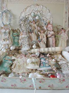 Where nostalgia and romance meet . Christmas Booth, Pink Christmas, Christmas Images, Christmas Angels, All Things Christmas, Christmas Crafts, Christmas Decorations, Xmas, Outdoor Christmas