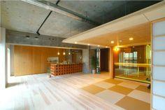 日本特有の畳を敷き詰めた和室を取り入れてみようと思いませんか?洋風建築が増え、フローリングの床が増え…
