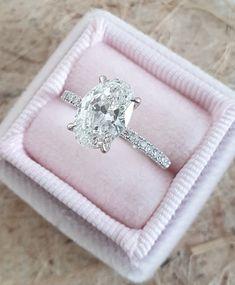 Beautiful Diamond Rings, Rose Gold Diamond Ring, Oval Diamond, Diamond Cuts, Solitaire Diamond, Marquise Diamond, Beautiful Engagement Rings, Diamond Engagement Rings, Conflict Free Diamonds