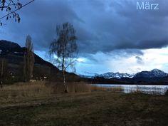 Abendstimmung beim #12telblick. So sieht das Ried kurz nach Sonnenuntergang im März aus. #edgarten #gartenblog Mountains, Nature, Travel, Photos, Sunset, Naturaleza, Viajes, Trips, Nature Illustration