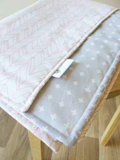 Sherbet pink feather lines and grey cross cot by ElskeLittleStyle