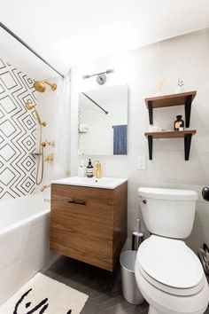 Home Depot Bathtub Faucets, Toilet Sink And Shower Remodel - Bathroom Wall Sconces, Master Bathroom, Downstairs Bathroom, Simple Bathroom Designs, Bathroom Ideas, Outdoor Bathrooms, Small Bathrooms, Toilet Sink, Bathroom Design Inspiration