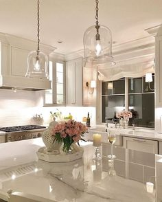 Kitchen decor and kitchen ideas for all of your dream kitchen needs. Modern kitchen inspiration at its finest. Home Decor Kitchen, Kitchen Interior, New Kitchen, Kitchen Ideas, Cheap Kitchen, Italian Kitchen Decor, Coastal Interior, Eclectic Kitchen, Kitchen Corner