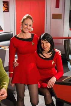 They even resemble Diana Muldaur and Majel Barrett! Star Trek Crew, Star Trek Tos, Star Wars, Cosplay Outfits, Cosplay Girls, Cosplay Costumes, Comic Con Costumes, Star Trek Continues, Star Trek Cosplay