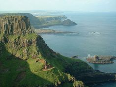 celts ireland | The Bizarre Basalt Columns of Ireland's Giant's Causeway