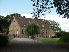 Lidsø, herregård 5 km vest for  Rødby