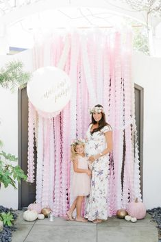 Pretty pink pumpkins and florals to boot, this Little Pumpkin Baby Shower at Kara's Party Ideas is too, too, cute! Baby Shower Photo Booth, Baby Shower Backdrop, Girl Baby Shower Decorations, Baby Shower Balloons, Girl Decor, Baby Shower Themes, Shower Ideas, Baby Shower Background, Shower Bebe