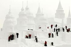 Craftsmen make a snow castle at a park in Changchun, Jilin province, December 30, 2013. (CHINA DAILY/REUTERS)