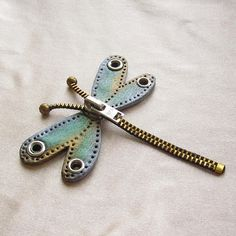 irka-knopkina: Steampunk dragonfly from zipper & grommets