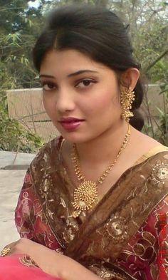 Beautiful Girl In India, Beautiful Women Over 40, Beautiful Blonde Girl, Most Beautiful Indian Actress, Beautiful Fairies, Beautiful Lips, Cute Beauty, Beauty Full Girl, Beauty Women