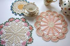 Dainty Doilies by Cherry Heart. Free Crochet Doily Patterns, Crochet Circles, Crochet Motif, Crochet Doilies, Crochet Flowers, Knitting Patterns, Free Pattern, Crochet Home, Love Crochet