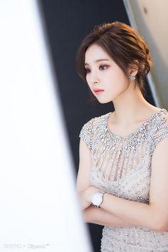 HD 포토 :: 네이버 TV연예 Korean Beauty, Asian Beauty, Shin Se Kyung, Hottest Female Celebrities, I Love Girls, Korean Actresses, Beautiful Asian Girls, Stylish Girl, Beautiful Actresses