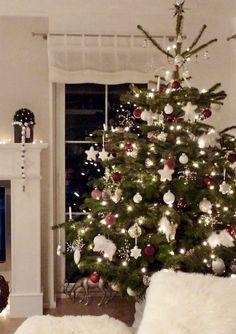 Weihnachtsdeko ♥ sweet home ♥ von Tawa - 29974 Christmas Scenes, Christmas Mood, Holiday Tree, Xmas Tree, Christmas Tree Decorations, Christmas Lights, Holiday Decor, Woodland Christmas, Christmas Inspiration