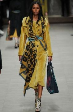 Burberry Autunno Inverno 2014 2015  #burberry #womenswear #abbigliamentodonna #vestiti #clothes #autunnoinverno #autumnwinter #moda2014 #fashion