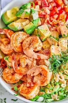 Lettuce Shrimp Avocado Salad - - This chunky shrimp salad with lettuce and avocado is a healthy and light meal, perfect for lunch or any night of the week! - by healthy dinner Healthy Lettuce Shrimp Avocado Salad Shrimp Avocado Salad, Avocado Salad Recipes, Avocado Salat, Best Salad Recipes, Salad Recipes For Dinner, Chicken Salad Recipes, Seafood Recipes, Cooking Recipes, Healthy Recipes