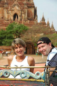 Foto: Carlos González - Bagan (MYANMAR) Jaipur, Taj Mahal, Bagan, Varanasi, Nepal, Captain Hat, India, Evening Prayer, Goa India