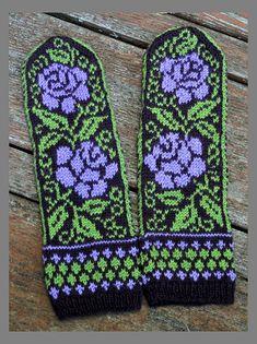Ravelry: Project Gallery for Ukrainian Roses pattern by Natalia Moreva