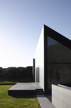 stxxz:  Niall Mclaughlin Architects - House at Goleen - Cork, Ireland 2009.