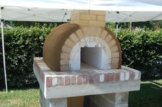The Brown Family Wood Fired Brick Pizza Oven in Florida.  Built with the Mattone Barile Grande DIY Pizza Oven form by BrickWood Ovens.