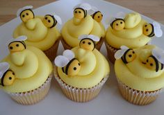 Bee Valentine Cupcakes | log in to post your comment