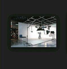 @vielkadeavila Es una pantalla curva que se utiliza de fondo, suelen tener una altura de 9 a 20 pies.