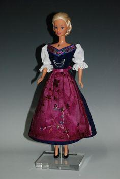 Ein Dirndl für Barbie
