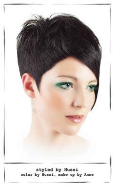 Hairgott 2011 - Frisuren für Göttinnen | Kollektionen | Menschen im Salon