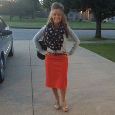 Follow me: classyhkfashion.weebly.com She has great outfits (easily change the skirts to jeans or slacks)