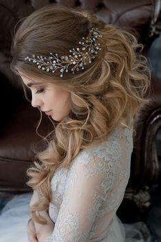 30 Romantic Rustic Wedding Hairstyles ❤️ rustic wedding hairstyles half up half down with curls and brunch pin nadya_nezhinka via instagram ❤️ See more: http://www.weddingforward.com/rustic-wedding-hairstyles/ #weddingforward #wedding #bride #hairstyles #bridalhairstyle #rusticweddinghairstyles
