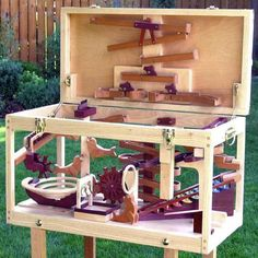 Free Woodworking Plans Marble Chest in wood plans Woodworking Toys, Learn Woodworking, Easy Woodworking Projects, Popular Woodworking, Diy Pallet Projects, Woodworking Furniture, Woodworking Magazine, Woodworking Equipment, Woodworking Basics
