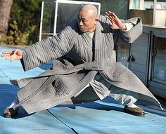 Fighting Monks' new master shares martial arts style Kung Fu Martial Arts, Chinese Martial Arts, Monk Pictures, Marshal Arts, Japanese Monk, Tai Chi Qigong, Shaolin Kung Fu, Martial Arts Styles, Hapkido