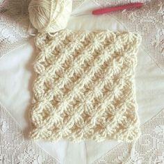 Crochet Stitch + Diagram + Video Tutorial by lorene Knit Or Crochet, Crochet Motif, Crochet Crafts, Crochet Projects, Tunisian Crochet, Crochet Flower, Sewing Projects, Crochet Stitches Patterns, Crochet Designs