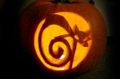 Patterns of cat carved into a Halloween Pumpkin. A huge collection of samples. Cat Pumpkin Carving, Halloween Pumpkin Stencils, Disney Pumpkin Carving, Pumpkin Carving Patterns, Halloween Labels, Halloween Mug, Halloween Pumpkins, Halloween Makeup, Halloween Crafts
