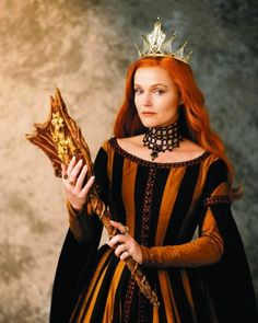 Queen Elspeth like evil queen in a movie Snow White: Fairest of them all 2001.