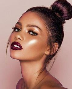 glam makeup highlight and bright lipstick - glam makeup highlight and bright lipstick - Makeup Trends, Makeup Tips, Makeup Ideas, Makeup Hacks, Makeup Goals, Prom Makeup, Hair Makeup, Natural Glowy Makeup, Wedding Makeup