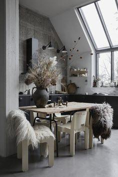 Outstanding Home Interior Design Ideas To Make Your Home Awesome Interior Stylist, Interior Design Tips, Interior Inspiration, Design Ideas, Interior Exterior, Home Interior, Studio Interior, Wabi Sabi, Decoration Restaurant