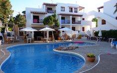 Apartamentos Benet Pinares - Pool - Ibiza